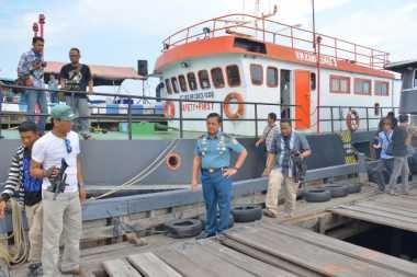 Wow! TNI AL Sita Ratusan Ton BBM Ilegal di Perairan Kepri