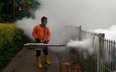 Warga Antusias Dampingi Tim Perindo saat Fogging di Pemalang