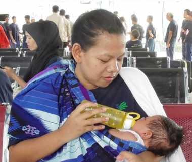 Tega! Baru Seminggu Melahirkan, Ibu & Anak Dipenjara 2 Bulan di Malaysia