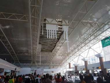 Plafon Ruang Tunggu Bandara Supadio Ambruk, Pengelola Janji Investigasi