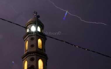 TOP NEWS (3): Alhamdulillah, Muslim Indonesia di Belanda Punya Masjid