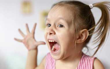 Anak Sering Mengamuk di Depan Umum? Intip Cara Mengatasinya ala Drew Barrymore