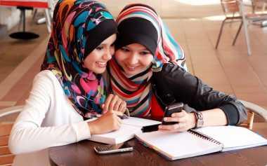 Ladies, Sebelum Bergosip Pahami Dulu Ya Aturan dalam Islam tentang Gosip!
