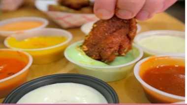 Wow, Restoran Ini Suguhkan 18 Jenis Saus untuk Satu Porsi Chicken Wings