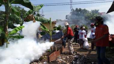 Cegah DBD, Rescue Perindo Fogging Wilayah Kalideres