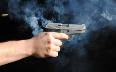 DOR! Polisi Baku Tembak dengan KKB, yang Tewas...