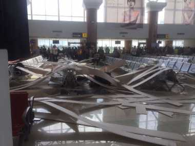 Polisi Bakal Usut Ambruknya Plafon Ruang Tunggu Bandara Supadio