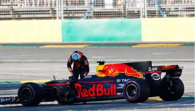 Gagal Finis di GP Australia, Ricciardo Tatap GP China