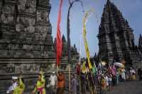 Sakralnya Prosesi Tawur Agung Kesanga di Candi Prambanan