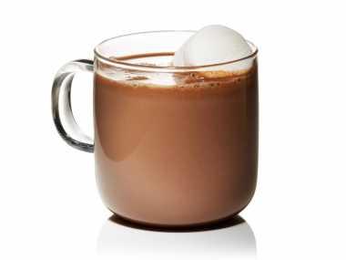 Jangan Terlalu Sering Minum Cokelat Hangat, Ini Alasannya!