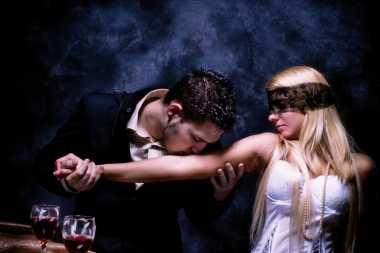 Sesekali Bermain Role Play saat Sesi Bercinta Bareng Suami Asyik Juga!
