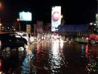 Simpang Empat Kenanten Banjir, Jalur Utama Surabaya-Mojokerto Macet Parah