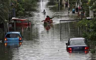 Sungai di Tengah Kota Sidoarjo Meluap, Ratusan Rumah Kebanjiran