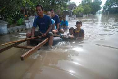 Akibat 3 Tanggul Kembali Jebol, Banjir di Mojokerto Meluas dan Pengungsi Bertambah
