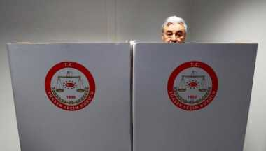Warga Turki di Jerman Berikan Suara dalam Referendum Presidensial