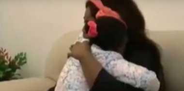 VIDEO: Momen Mengharukan Balita Imigran Bertemu Ibunya di Italia