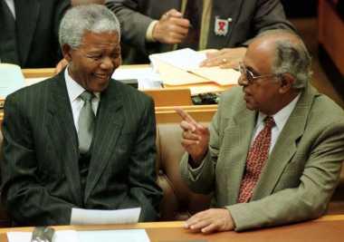 Aktivis Anti-Apartheid Afsel Ahmed Kathrada Tutup Usia