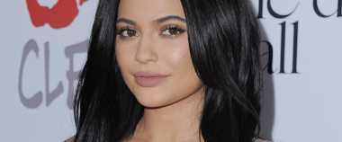 Ups Nama Blush On Terbaru Kylie Jenner Dikritik Netizen!