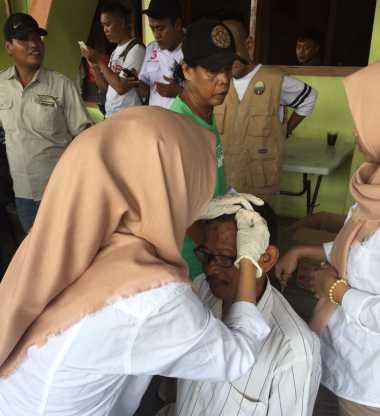 Aksi Peduli Kesehatan, Dokter Keliling Relawan Anies-Sandi Blusukan ke Penjaringan