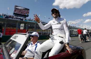 Webber: Alonso Mungkin Tak Jalani F1 2017 Secara Penuh