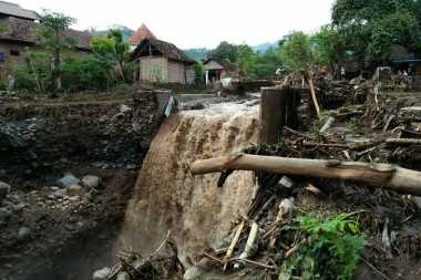 Astaga! Akibat Jembatan Putus, Satu Desa di Mojokerto Terisolasi