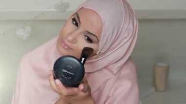 Apa Saja Sih Kriteria Kosmetik Halal untuk Muslimah?