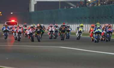 KPK Minta Polisi AKP, MotoGP Qatar Aneh, dan Pilot Cantik Salat di Pesawat