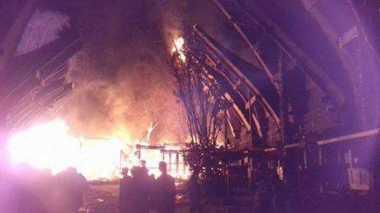 Rumah Adat Toraja Kebakaran, Kerugian Mencapai Ratusan Juta