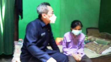 Miris! Kisah Reni, Anak Yatim Piatu yang Menderita Berbagai Penyakit