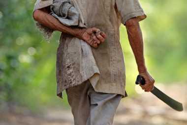 Gila! Pria Israel Penggal dan Bawa Kepala Mantan Istri ke Jalanan