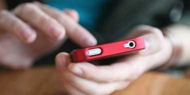 HOT THREAD (2): 5 Masalah Kulit Akibat Menggunakan Ponsel