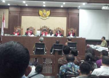Hakim Cecar Agus Martowardojo Terkait Kontrak Multiyears Proyek E-KTP