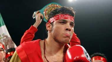 Beri Masukan ke Canelo, Porter: Chavez Bukan Lawan yang Mudah Loh!
