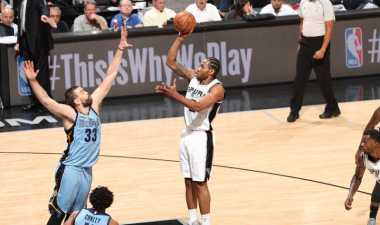 Menang di AT&T Center, Spurs Kini Ungguli Grizzlies 2-0