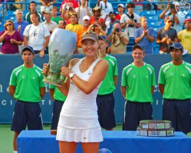 SPORT TWEETS: Wow! Maria Sharapova Menulis Buku Perjalanan Hidupnya