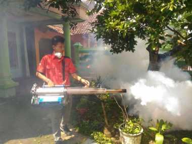 "Cegah Demam Berdarah, Tim Rescue Perindo Jateng ""Asapi"" Grobogan"