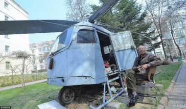 Hebat! Hanya Lulus Sekolah Dasar, Kakek di China Berhasil Bangun Helikopter Sendiri