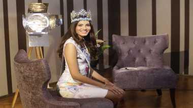 MISS INDONESIA 2017: Miss World 2016 Percaya, Edukasi Dapat Mengubah Dunia Menjadi Lebih Baik