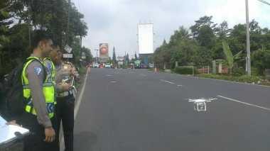 Korlantas Polri Gunakan Drone dalam Olah TKP Kecelakaan Bus Maut di Puncak