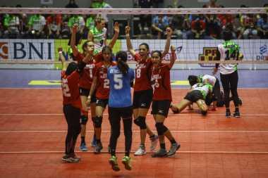 Jalani Laga Sengit, Tim Putri Jakarta Elektrik PLN Juarai Proliga 2017