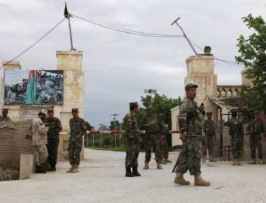 Pangkalan Militer Diserang Taliban, Menhan Afghanistan Mengundurkan Diri