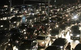 Tol Cipularang Macet Total, PT Jasa Marga Imbau Kendaraan Overload Dilarang Melintas