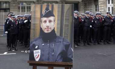 Polisi Prancis Korban Penembakan dekat Istana Kepresidenan Diberi Gelar Anumerta