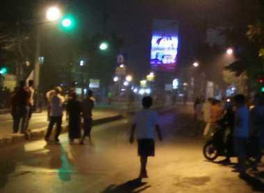 Bubarkan Tawuran Warga di Cawang, Kapolres Jaktim Terjun Langsung