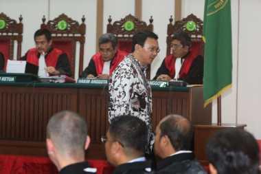 Hari Ini, Ahok Bacakan Pleidoi Kasus Penodaan Agama Di Hadapan Hakim