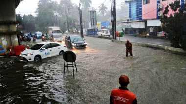 Oalah.. Baru Hujan Sebentar Kemang dan Cipete Kebanjiran