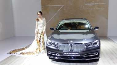 BMW All New 740Li Semiotonom Rakitan Indonesia Meluncur