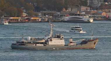 Kapal AL Rusia Tenggelam Setelah Menabrak Kargo Pengangkut Ternak