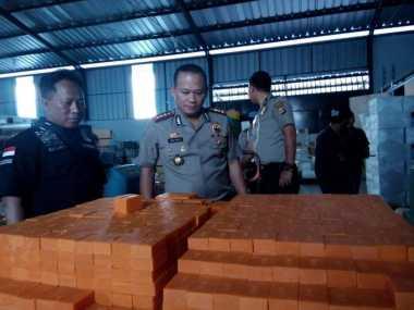 Polisi Kejar Pemilik Pabrik Sabun Ilegal di Tangerang