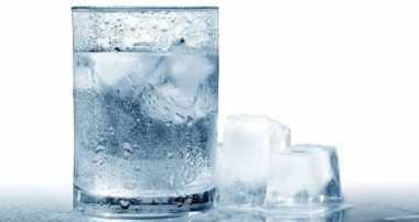 4 Dampak Buruk Sering Minum Air Es